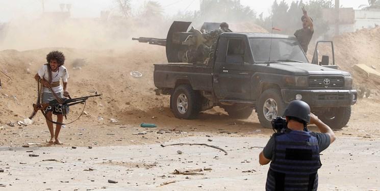 امارات 100 محموله سلاح برای نیروهای حفتر ارسال کرد